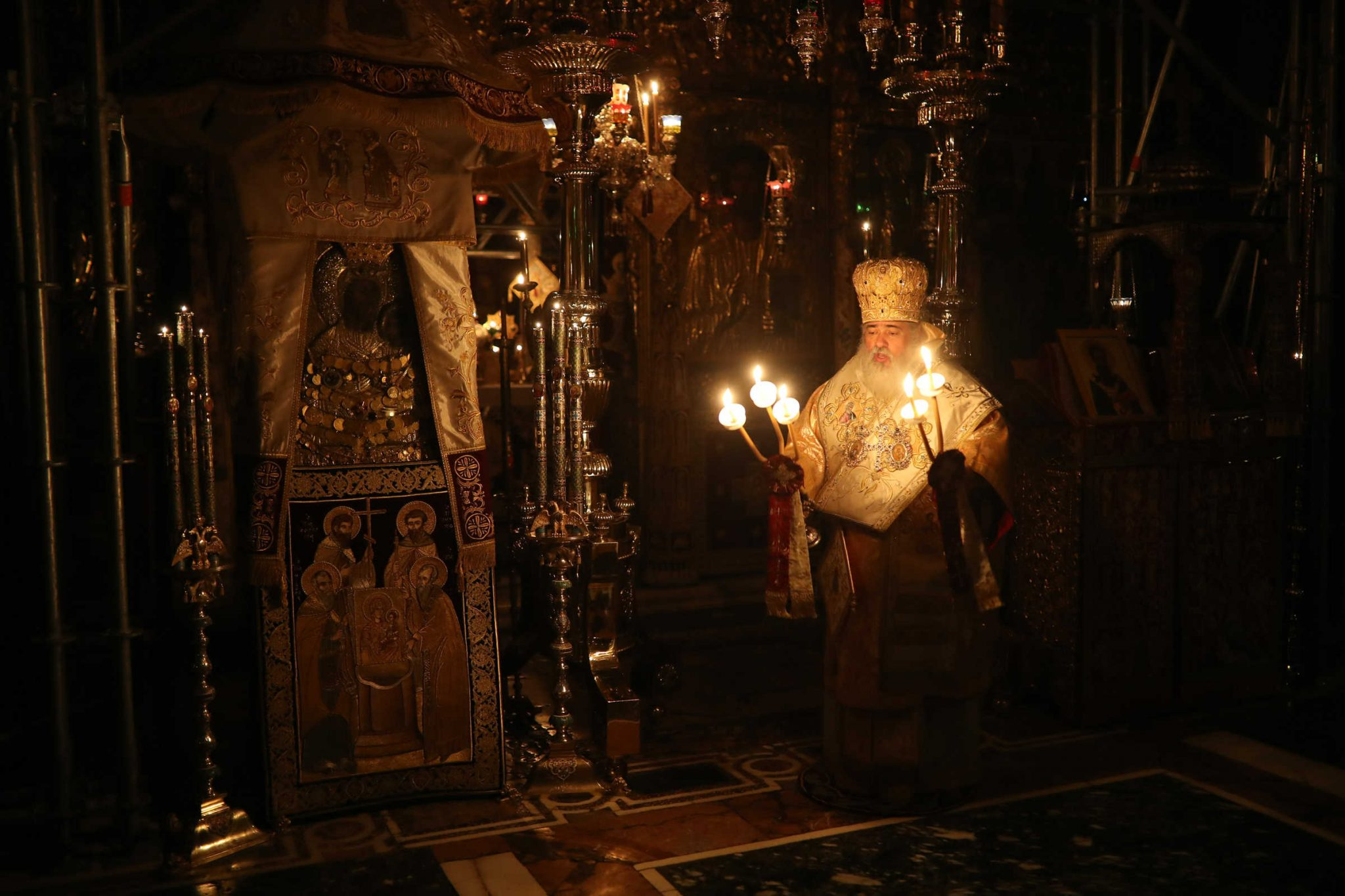 Distinguishing the work of grace and the work of deception – (C) Vatopedi monastery, Mount Athos
