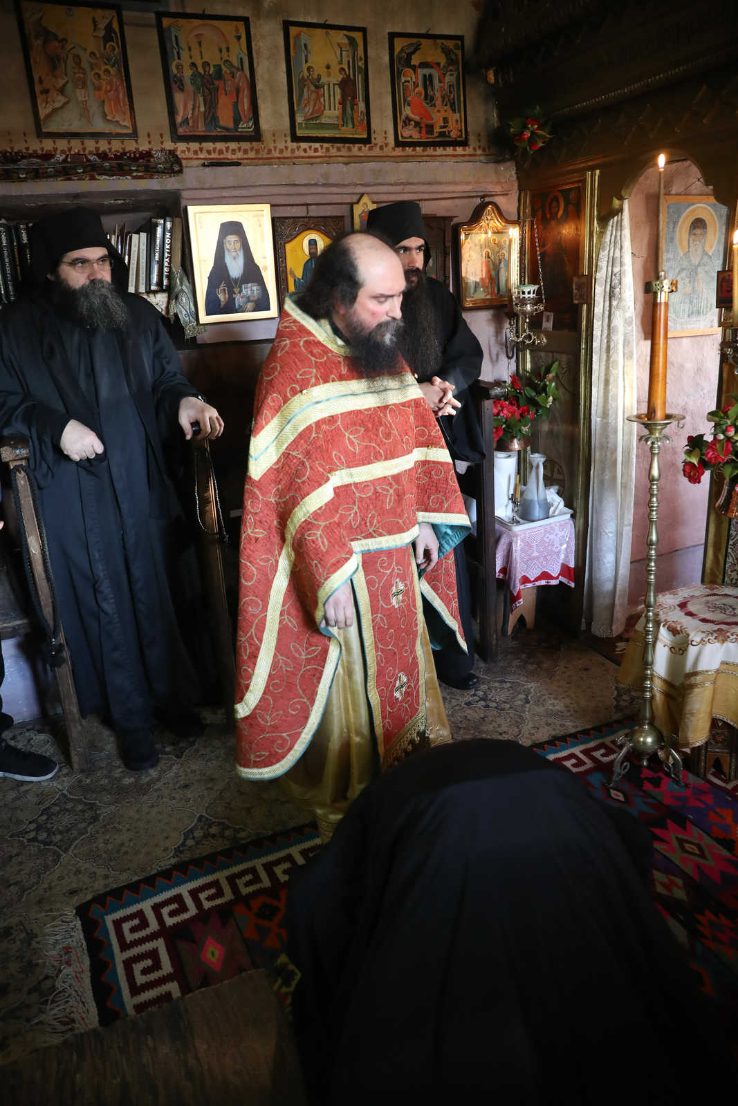 How a monk begins, lives and succeeds - (c) Vatopedi monastery, Mount Athos